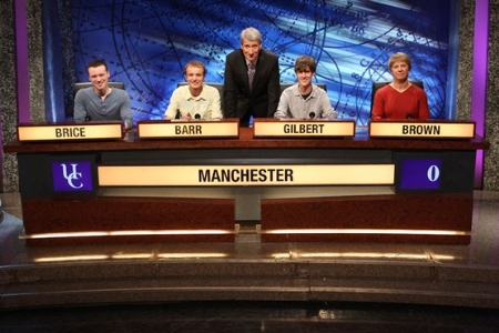 Jeremy Paxman with University of Manchester University Challenge team