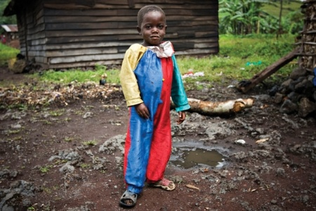 Congolese child wearing costume