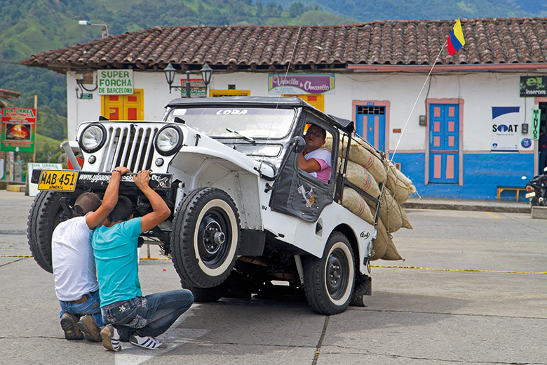 Fixing Colombian jeep
