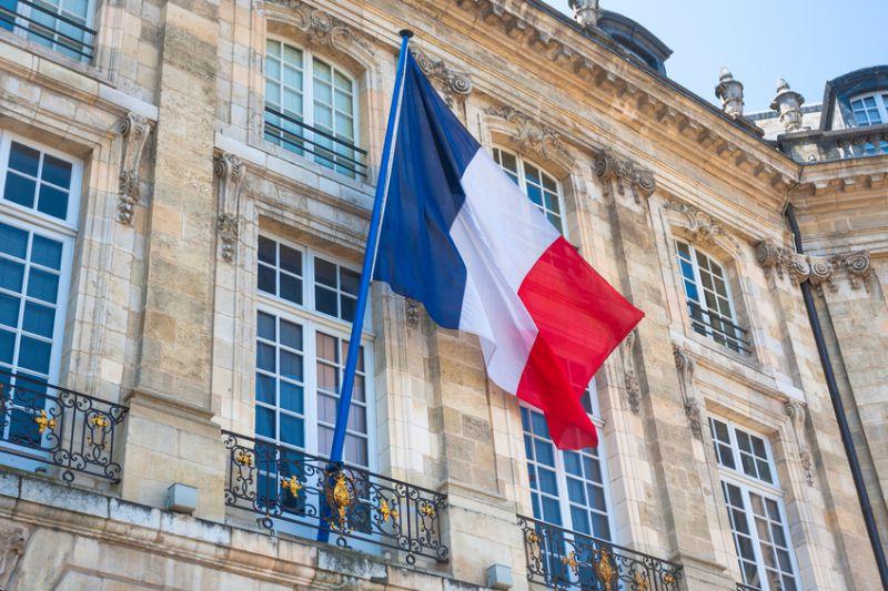 1. @HECParis 2. @Polytechnique 3. @ENS_ULM 4. @MINES_ParisTech 5. @EMLYON 6. @centralesupelec 7. @essec 8. @ScienceSorbonne 9. @EDHEC_BSchool 10. @u_psud : le @timeshighered publie son palmarès des établissements qui mènent le mieux à l'emploi en France timeshighereducation.com/student/best-u…