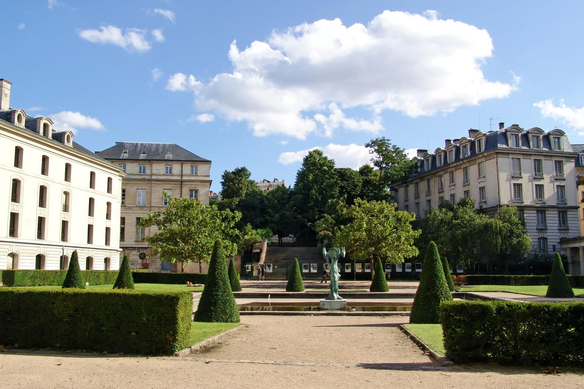 Historic garden at Ecole Polytechnique
