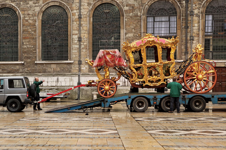 Lord Mayor of London's coach, Guildhall, 2009