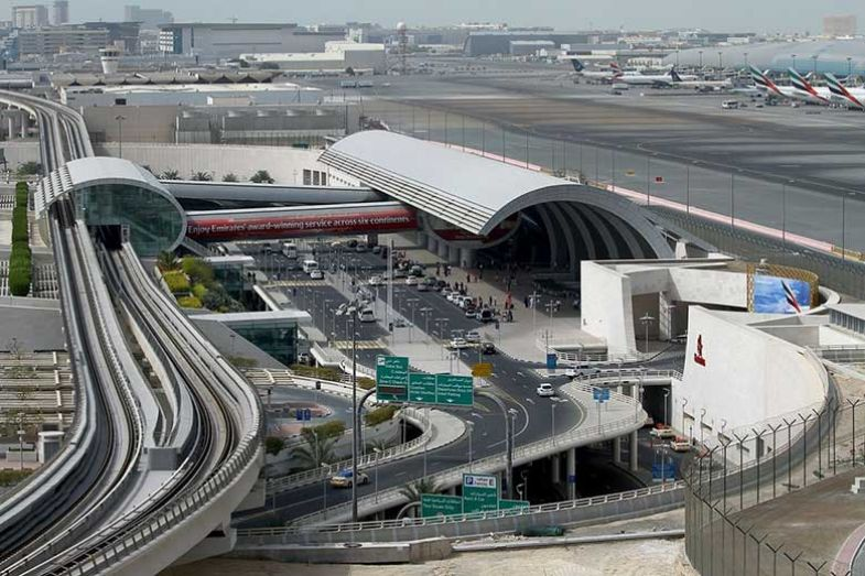 780-uaeu-dubai-metro-airport
