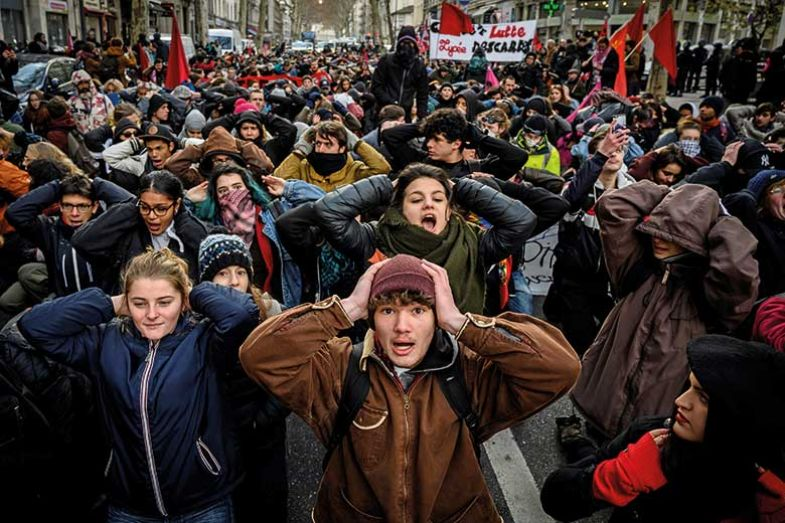 french-students-protest
