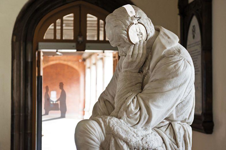 statue listen
