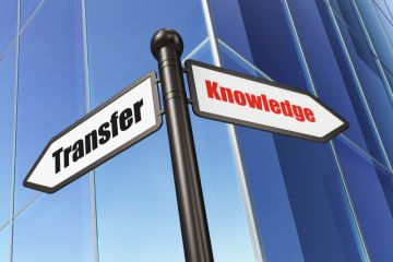 Education concept sign. Knowledge transfer on building