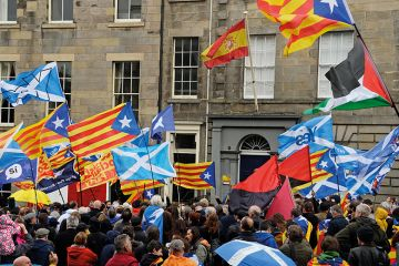 catalan and Scottish flags