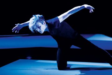 Louise Lecavalier striking dance pose in So Blue