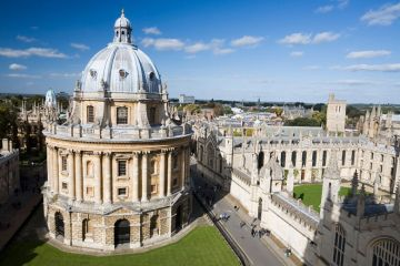 University of Oxford students walking on campus