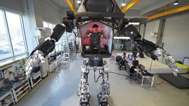 humanoid manned robot