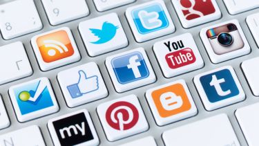 Social media, twitter, facebook, share, viral