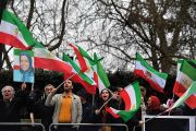 iran-flag-protesters