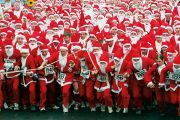 Marathon runners dressed as Santa Claus