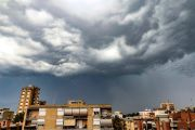 Thunderstorm gathering over city
