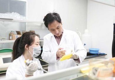china-lab-workers