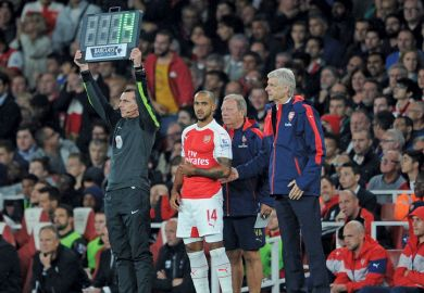 Arsene Wenger, Theo Walcott, Arsenal, Barclays Premier League match