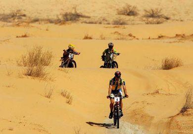 bike-motorbikes-desert