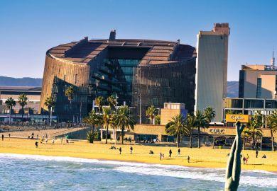 Biomedical Research Building, Manel Brullet and Albert Pineda, Barceloneta beach, Barcelona, Spain