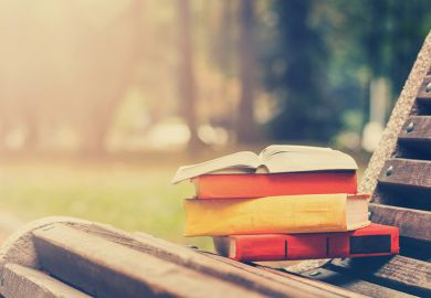 Books on a bench, what are you reading, book reviews