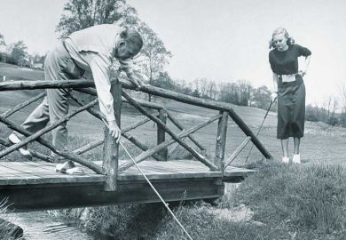 bridge-stick-river-golf-course