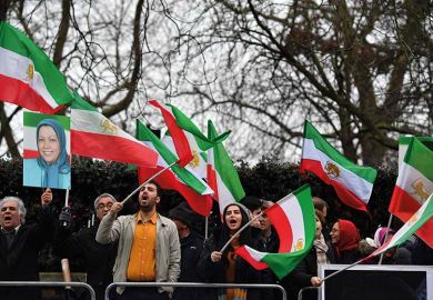 iran-flag-protesters