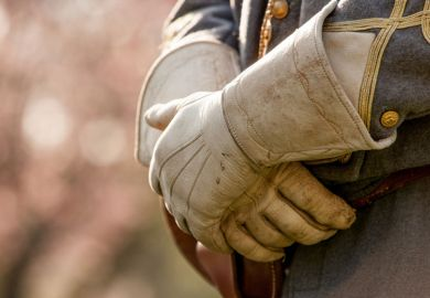 us_civil_war_reenactment_gloves