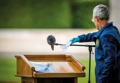 Cleaning lectern