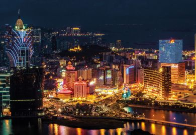 macau-at-night
