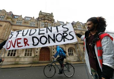 student-donors-protest