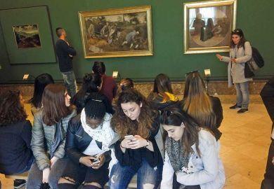students-phones-gallery