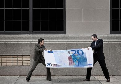 People fighting over giant Euro note