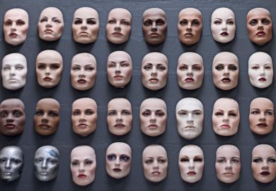 Wall of face moulds (diversity)