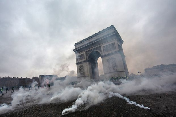 protest at Arc de Triomphe in Paris