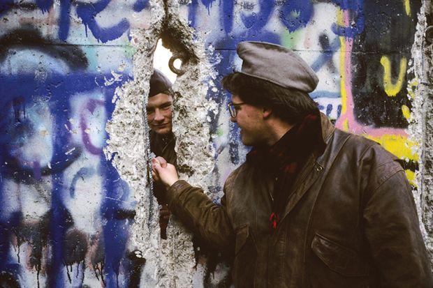berlin wall handshake