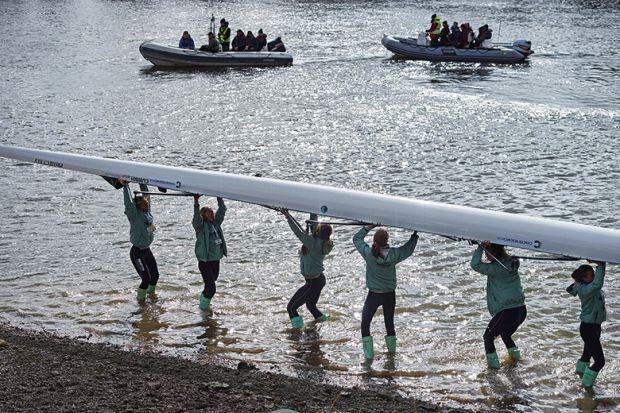Cambridge women rowers