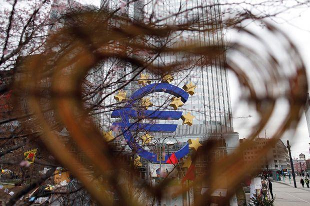 Heart around the euro