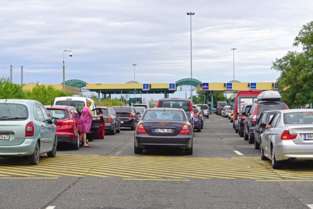 Long queues at an EU border crossing in Hungary