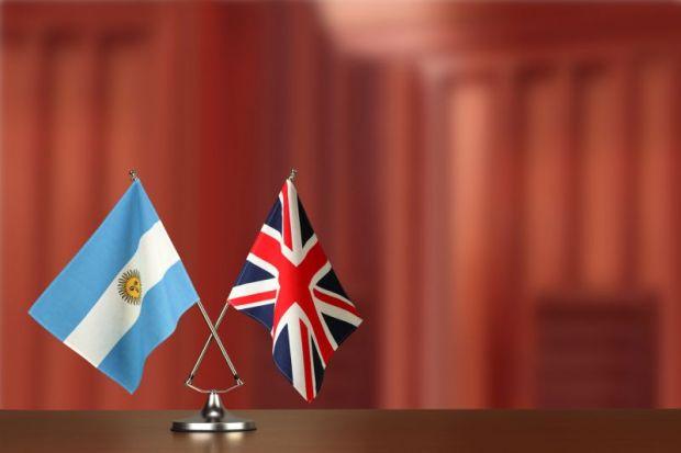 Argentina UK flags
