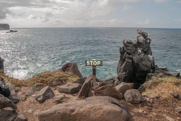 Stop, cliff edge