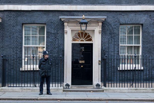Downing Street, police