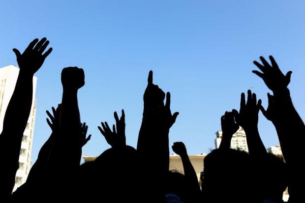 Students support university staff strike