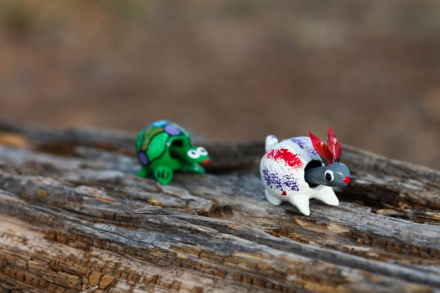 Hare and tortoise bobblehead toys