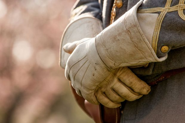 us_civil_war_reenactment_gloves