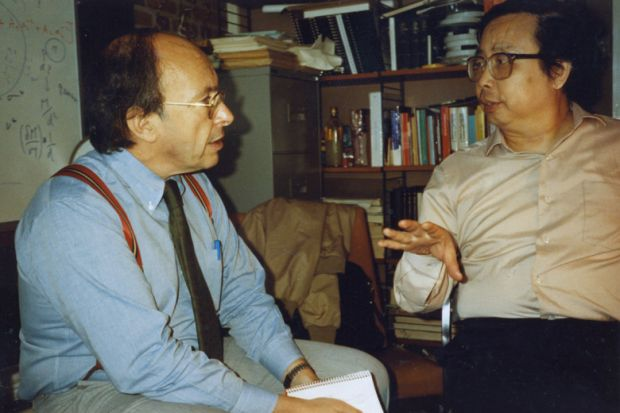 Jonathan Mirsky speaking to Fang Lizhi