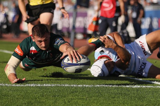 Jonny May scoring try against Montpellier in European Champions Cup