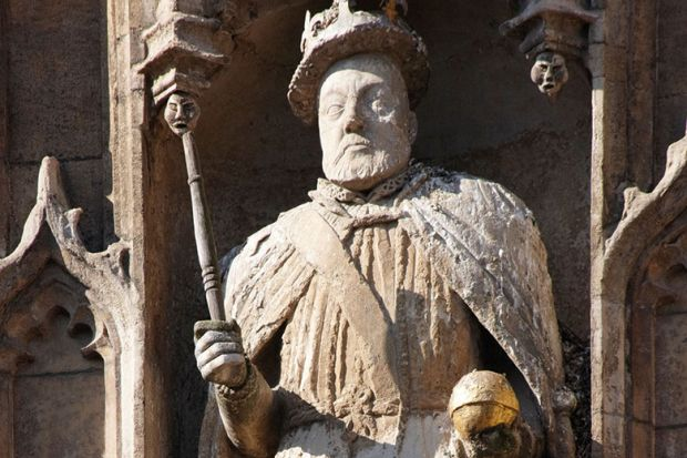 king henry statue