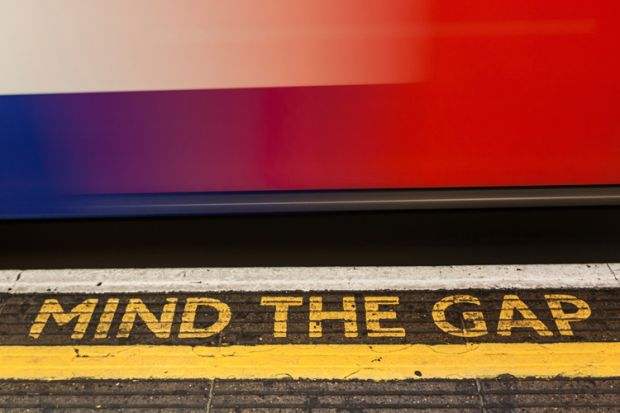 London Underground 'Mind the gap' sign