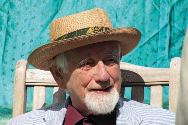 Obituary: Ronald Gray, 1919-2015