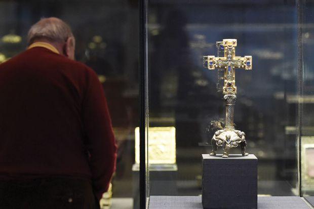 """""""Welfenschatz"""" (Guelph Treasure) displayed at the Kunstgewerbemuseum (Museum of Decorative Arts) in Berlin"""