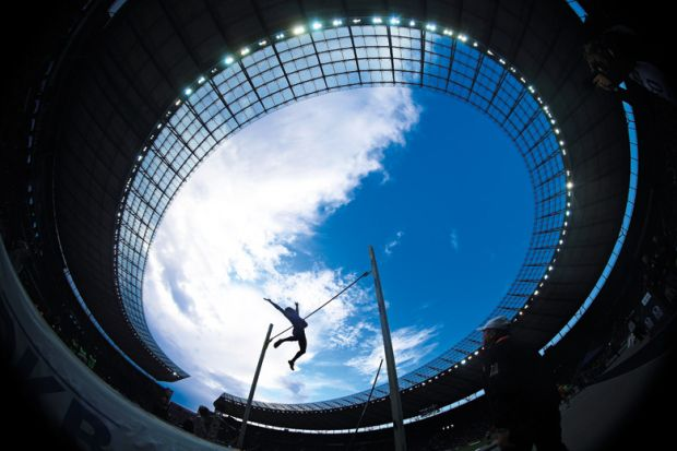 Piotr Lisek wins pole vault, ISTAF, Germany, 2015